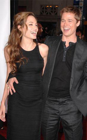 Dünyaca ünlü yaşam dergisi Vanity Fair en iyi giyinen çiftleri seçti. Angelina ve Brad Pitt bu listede de bir numaraya yerleşmeyi başardı. Listenin tam sıralaması şöyle: